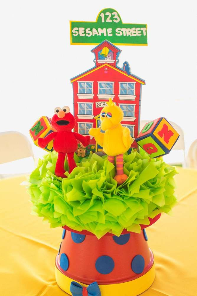 Sesame Street birthday party centerpieces! See more party ideas at CatchMyParty.com!