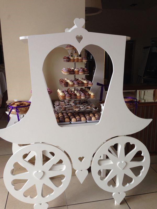 Kelly Lou Cakes wedding dessert carriage