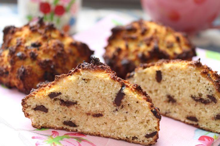 Low Carb Rezepte von Happy Carb: Haferkleie-Schokoladenbrötchen - Ein leckeres und sehr nahrhaftes Schokoladenbrötchen zum Frühstück.