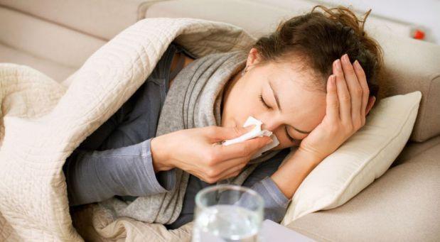 Příchod podzimu, kdy se střídá ještě teplé počasí s chladným a deštivým, s sebou přináší typická onemocnění, jako je chřipka a angína. Dlouhé vysedávání v čekárně plné dalších nemocných a následně v lékárně, kde si předražené léky vyzvedáváme, nám také na zdraví moc nepřidá.