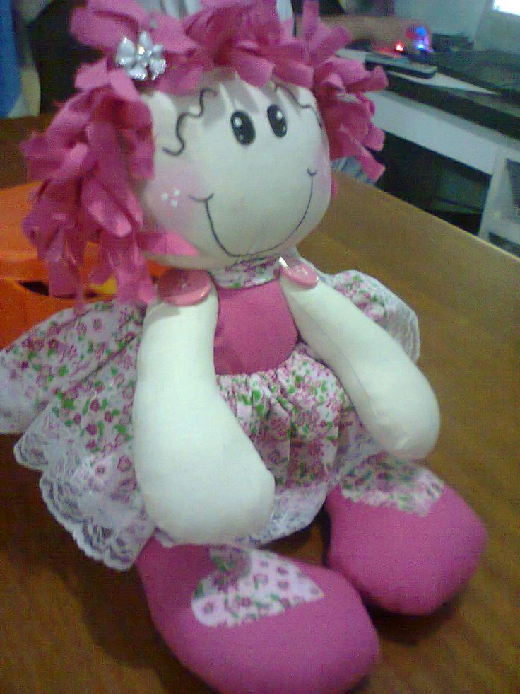 essa é uma bonequinha que eu adorava, mais ela tbm já foi morar em outra casa