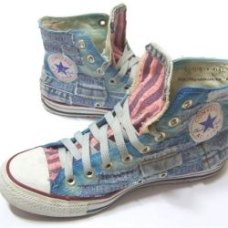 DIY converse shoes. (in Korean) i would wear these every day! :P