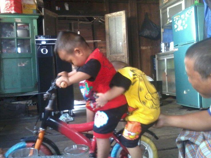 Main sepeda