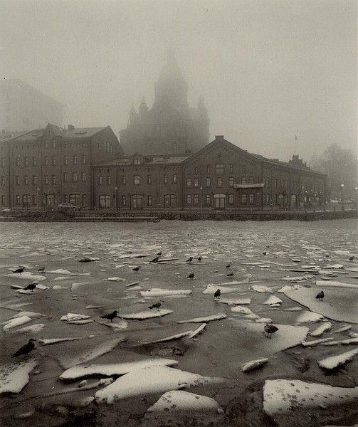 Pentti Sammallahti. Helsinki, Finland.  http://www.valokuvataiteenmuseo.fi/en/component/content/article/10321