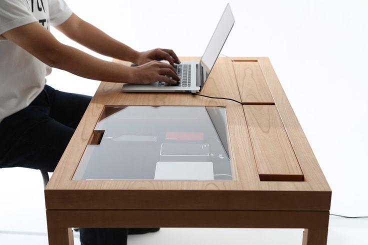 WT ist ein minimalistisches Design, das von dem in Tokio ansässigen Designer CONSENTABLE entworfen wurde. Das Bein o