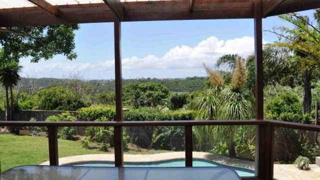Prime position with beautiful river and sea views.  This family home is situated in a quiet and peaceful cul-de-sac and is any entertainers dream!