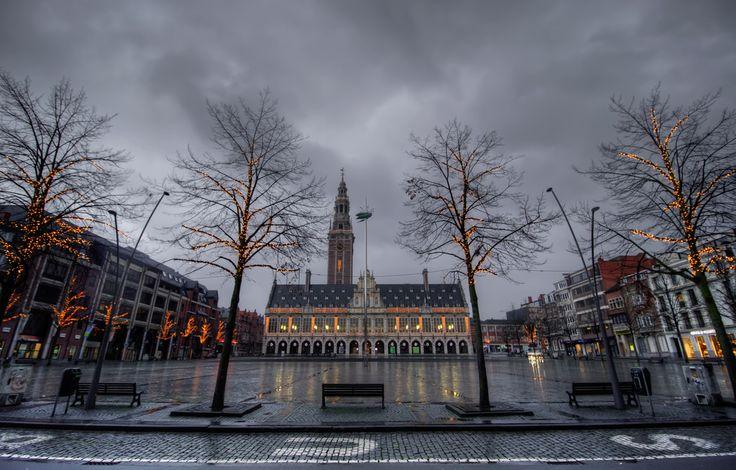 https://flic.kr/p/ATvfY4   Christmassy Centrale Bibliotheek & Totem at Mgr. Ladeuzeplein, Leuven   IMG_3803_4_5_6_7_8_9_tonemapped_nw