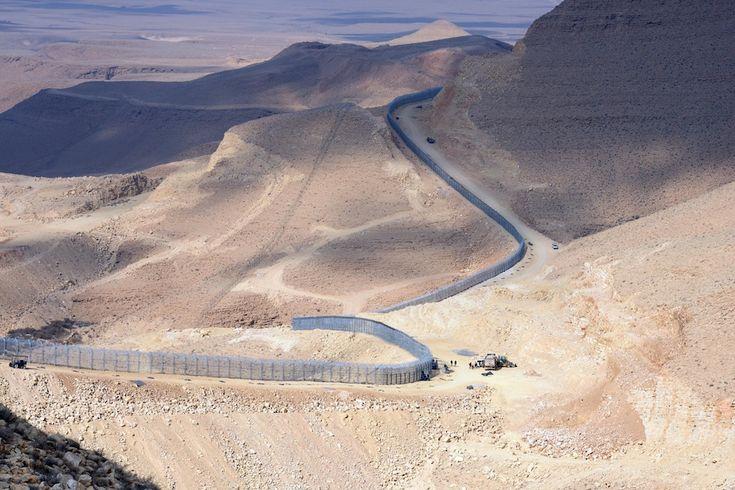 Israele confine con l'Egitto