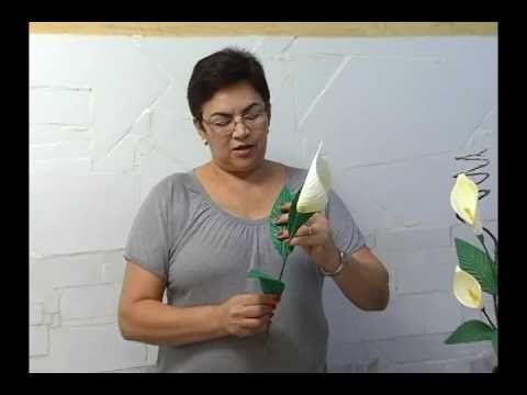 Como fazer flores de E.V.A - YouTube