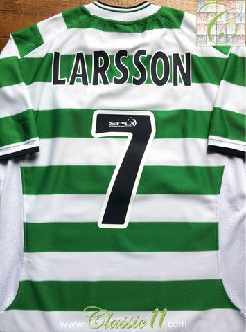Relive Henrik Larrson's 2001/2002 SPL season with this vintage Umbro Celtic home football shirt.