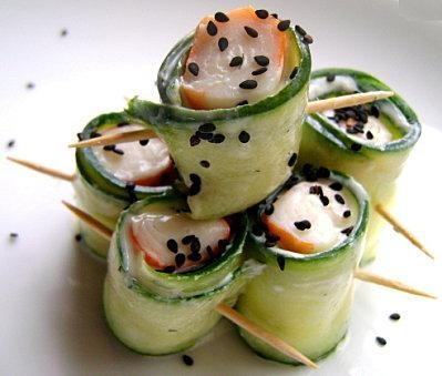 Google Image Result for http://media.paperblog.fr/i/218/2188570/amuse-bouche-concombre-surimi-L-1.jpeg