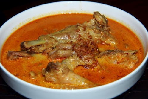 traditional Indonesia chicken curry