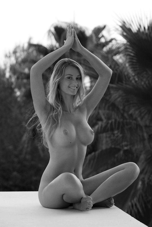 naked-caribeean-women