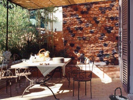 Comment habiller le mur de son jardin nos id es en images comment fils e - Comment embellir son jardin ...