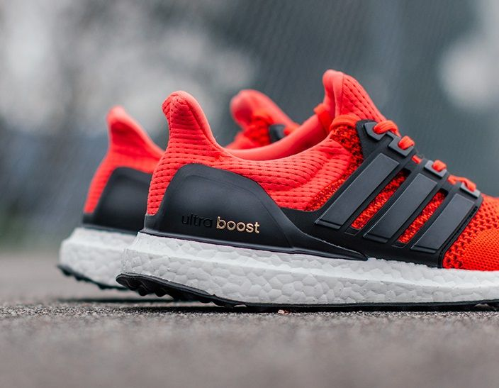 adidas Ultra Boost: Red