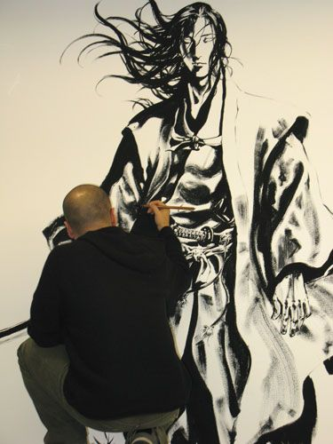 My favorite comic artist,Takehiko Inoue, at work on an exhibition. He always makes his figures feel so effortless
