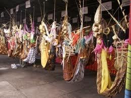 Baayun maulid atau lebih mudah disebut baayun maulud adalah salah satu budaya Banjar (nama suku di Kalimantan Selatan) yang hingg hari ini masih dilestarikan. Baayun artinya melaksanakan aktifitas meng-ayun di ayunan. Karena kegiatan ini dilaksnakan di bulan Maulid (rabiul awal) maka disebut baayun maulid .