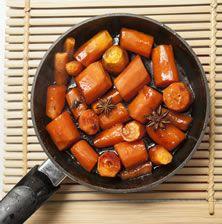 Ίσως ότι πιο νόστιμο έχετε δοκιμάσει με μαγειρεμένο καρότο. Υπέροχη γλυκιά γεύση, υφή μαλακή όπου το λαχανικό λιώνει στο στόμα και υπέροχο άρωμα από αστεροειδή γλυκάνισο. Συνοδέψτε ένα ροδαλό γουρουνόπουλο φούρνου ή μια γαλοπούλα γεμιστή με κάστανα