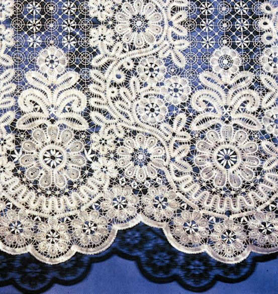 Russian lace curtain. Detail. #beauty #design #lace #Russian