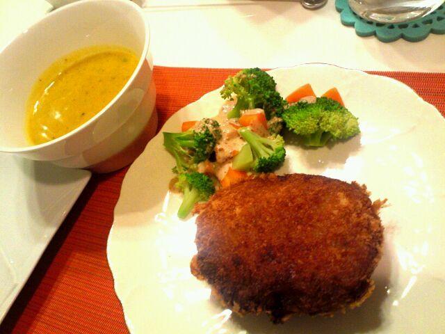 お肉もお野菜もバランスよく(^_^) - 53件のもぐもぐ - かぼちゃのポタージュ、ミンチカツ、温野菜 by Hiroty