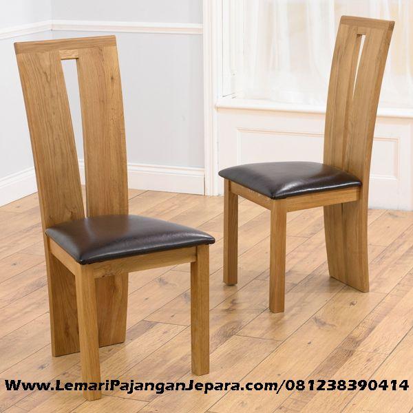 Jual Kursi Makan Minimalis Jok Hitam merupakan Produk Mebel asli dari Jepara dengan Desain Kursi Makan Minimalis Dan Jok Warna Hitam dengan bahan kayu jati
