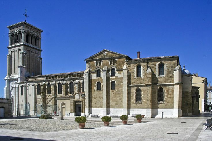 Cathédrale Saint-Apollinaire, Valence, Drôme, France