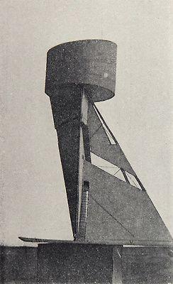 Second course at VKhUTEMAS. Work of student I. Lamtsov, studio of Nikolai Ladovskii (1921). (via http://thecharnelhouse.org/2014/03/06/the-decantation-chamber-of-soviet-modernism-vkhutemas-projects-from-the-1920s/)