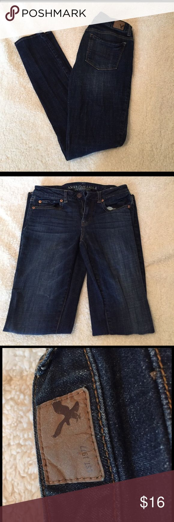 AMERICAN EAGLE DARK BLUE JEANS dark blue jeans//skinny//only worn twice American Eagle Outfitters Jeans Skinny