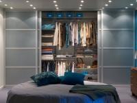 Co nas pociąga w garderobach? Nie tylko przestrzeń, ale przede wszystkim doskonałe jej zagospodarowanie, dzięki czemu każdy element garderoby, buty, biżuteria ma swoje miejsce.