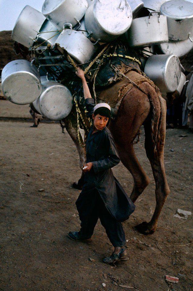 Trabalho infantil no Afeganistão.  Fotografia: Steve McCurry.