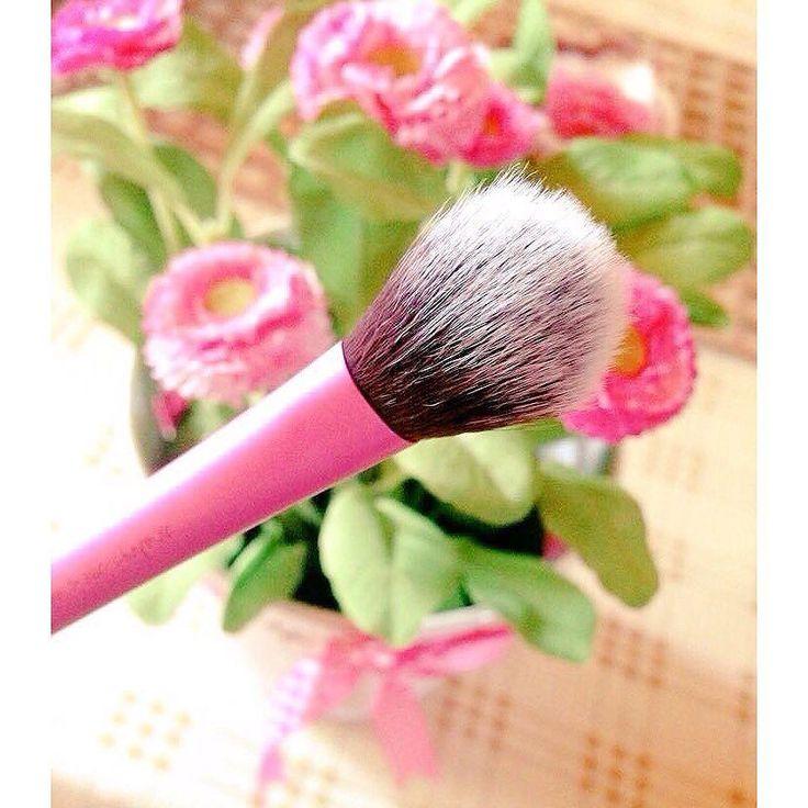Να έχετε ένα υπέροχο Σαββατοκύριακο! Για #ραντεβού ομορφιάς στο σπίτι σας στο τηλέφωνο  21 5505 0707 ! #γυναικα #myhomebeaute  #ομορφιά #καλλυντικά #καλλυντικα #μακιγιαζ #πινελα #πινελο #μακιγιάζ #ραντεβου