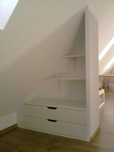 4c0abd1245bf2-dachboden-24-der-neue-kleiderschrank-ist-fast-fertig-es-fehlt-noch-ein-vorhang-den-muss-ich-allerdings-erst-noch-naehen-huge.jpg (443×590)