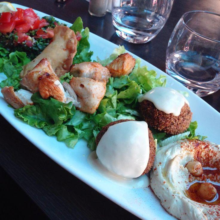 Restaurant Côte d'Azur : le Blog Mister Riviera vous livre ses adresses préférées du Vieux Nice. Restaurant libanais Di Yar, rue de la Préfecture, Nice, Côte d'Azur.  #NiceMoments #CotedAzurFrance #CotedAzurNow
