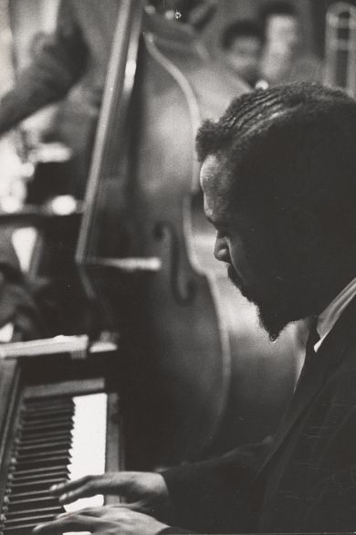 "Si te gusta el jazz y la fotografía desde luego disfrutarás de aquel descubrimiento que se recoge en el libro ""The Jazz Loft Project: Photographs and Tapes of W. Eugene Smith from 821 Sixth Avenue, 1957-1965"""