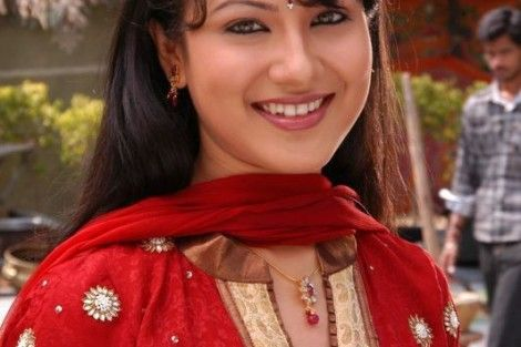Pooja Bose in saree - Pooja Bose Rare and Unseen Images, Pictures, Photos & Hot HD Wallpapers