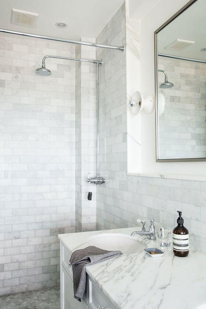 10 walk in shower ideas that wow bath bathroom for Neutral bathroom tile designs