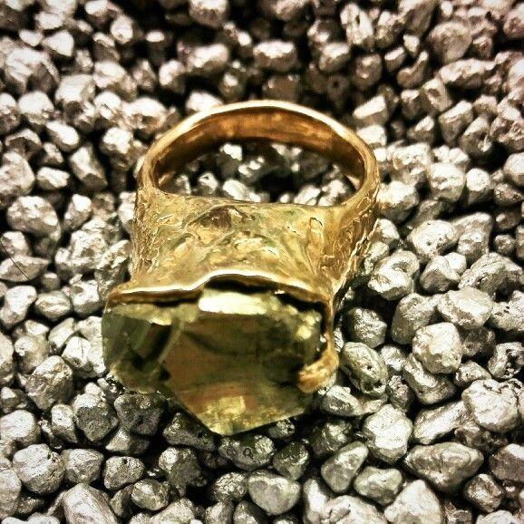 Bronze ring with pirite sculpture..
