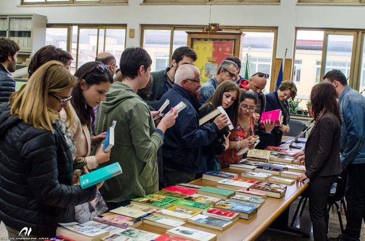 Un successo lo scambio di libri in Comune a cura di Redazione - http://www.vivicasagiove.it/notizie/un-successo-lo-scambio-libri-comune/