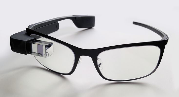Corliss Tech Review Group: Google Glass barely alive  Two years ago, Google has hyped its Glasses device as the greatest thing since sliced bread -- and for a moment, many of us believed it.   More related content: http://thecorlissreviewgroup.com/ http://thecorlissreviewgroup.com/blog/