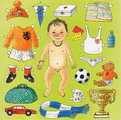 voetbalbaby 1987 (Gertie Jaquet) Tags: boy baby holland football 1987 soccer illustrations drawings paperdoll voetbal tekeningen jongen aankleedpop aankleedpopje aankleedbaby