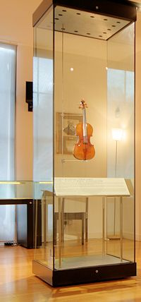 A big display case for a small Stradivarius: the Viotti ex-Bruce at the Royal Academy of Music Museum