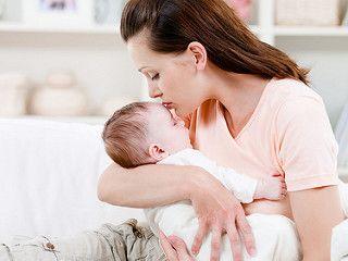 """Что делать, если ребенок плачет? Постоянно успокаивать или стоит дать """"проораться""""? Ответы на эти вопросы в статье"""