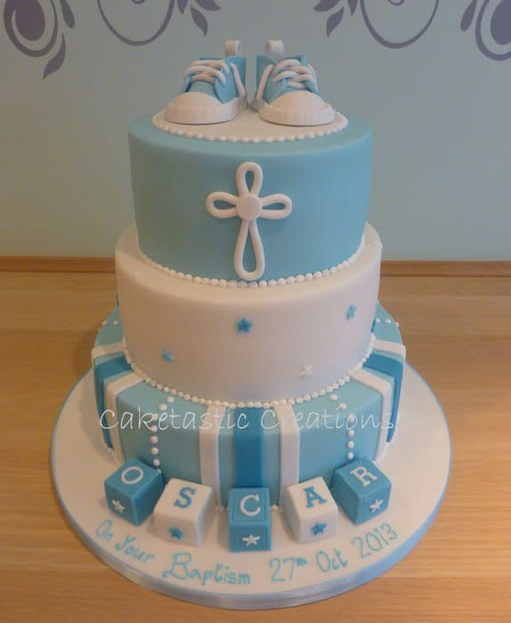 baby Boys Christening cake with baby boots - cake by Caketastic Creations