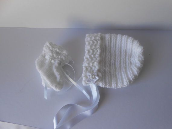 Baby Bonnet and bootee set. Handknit baby bonnet by AluraCrafts