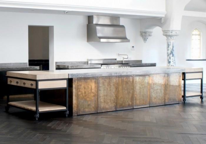 12 Kitchen Islands in Splendid Brass Material - Rilane