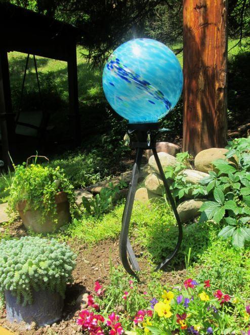 446 Best BOWLING U0026 GAZING BALLS Images On Pinterest | Garden Balls, Bowling  Ball Art And Garden Crafts