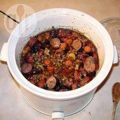 Foto de receta: Guiso de lentejas y salchichas en la olla de cocción lenta