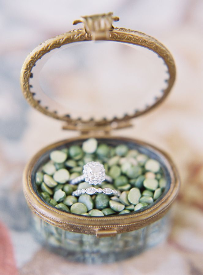 Pretty pebble filled ring box: http://www.stylemepretty.com/little-black-book-blog/2016/07/18/secret-garden-wedding-dreamy-dress-diy-details/ | Photography: Sawyer Baird - http://www.sawyerbaird.com/