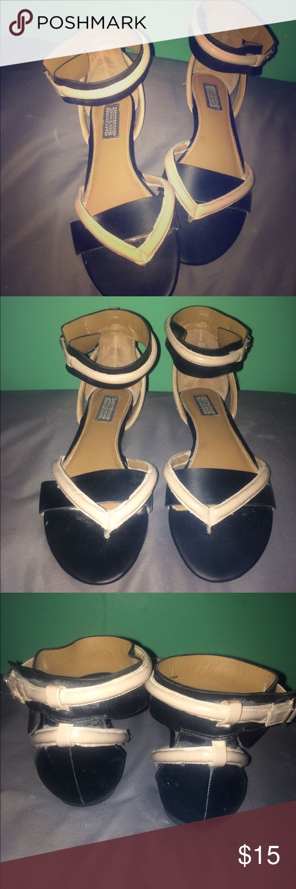Black and Tan Deena & Ozzy sandals These sandals can be casual or dress. Paten leather straps. Never worn! Deena & Ozzy Shoes Sandals