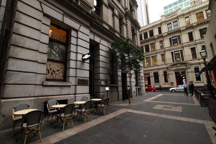 Syracuse is tucked away down Bank Place - perfect for an intimate dining experience